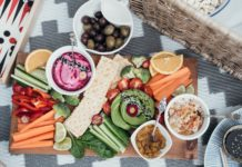 7 must-have picnic accessories